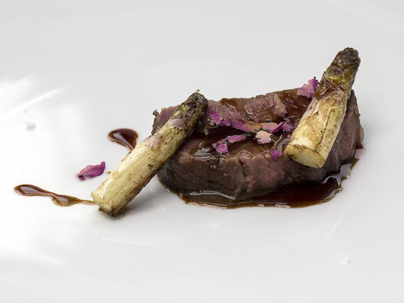 Pecora, asparagi e rose, Povero Diavolo, Chef Piergiorgio Parini, Torriana