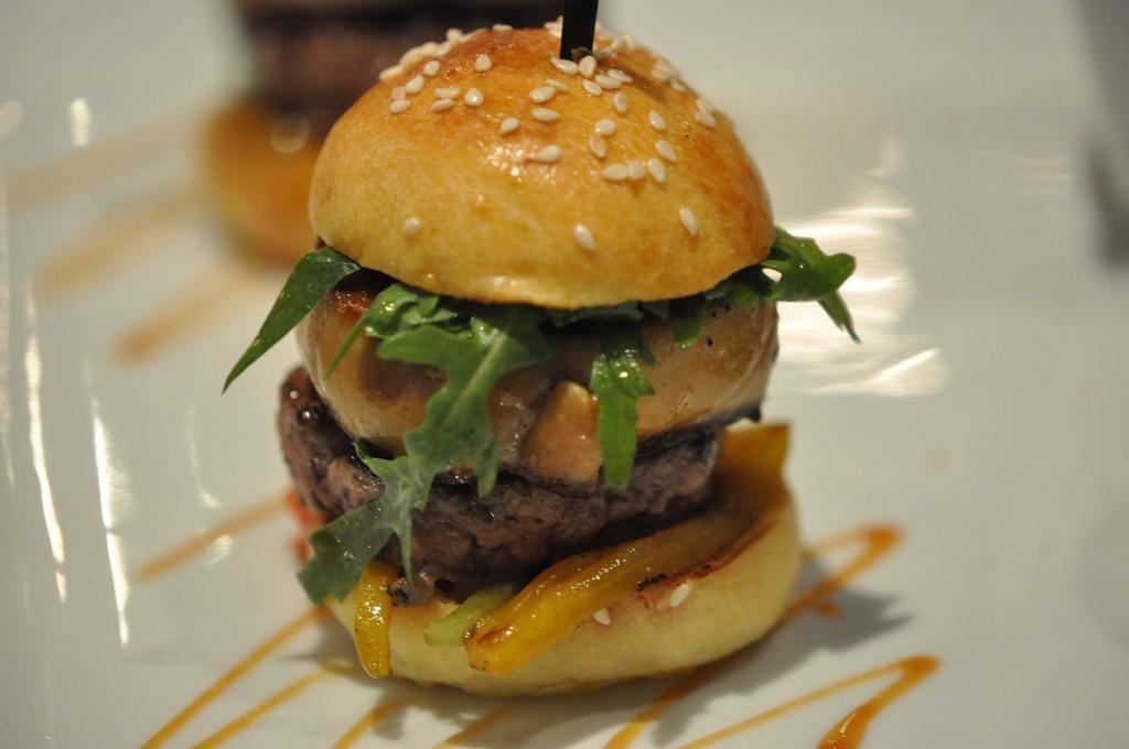 burger con foie gras, Joël Robuchon, Chef Christophe Cussac, Montecarlo, Principato di Monaco