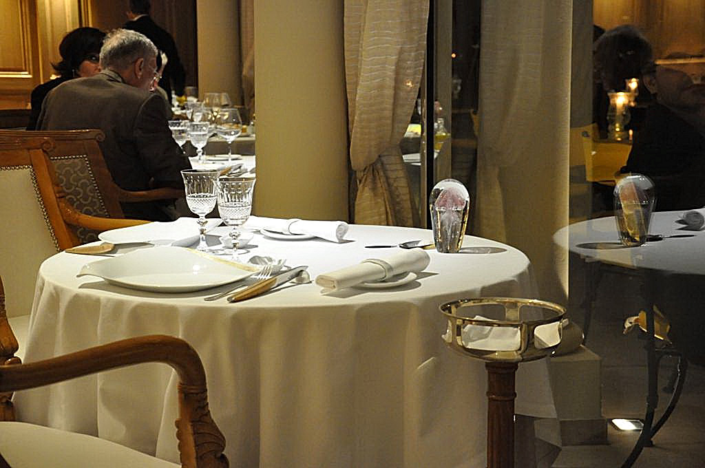 mise en place, La Vague d'Or, Chef Arnaud Donckele, Saint-Tropez