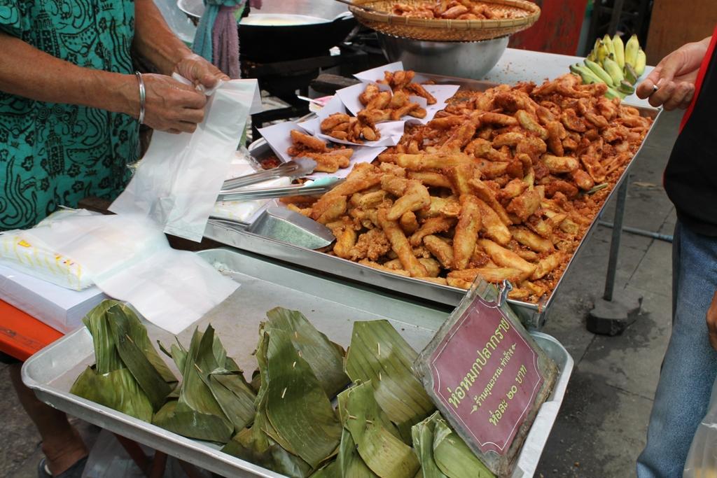 banene fritte in pastella, Thai Street Food, Bangkok, Thailandia