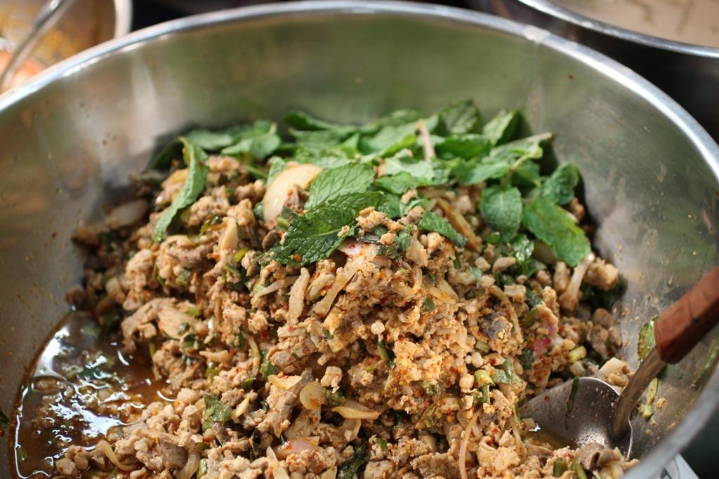 thai larb, Thai Street Food, Bangkok, Thailandia