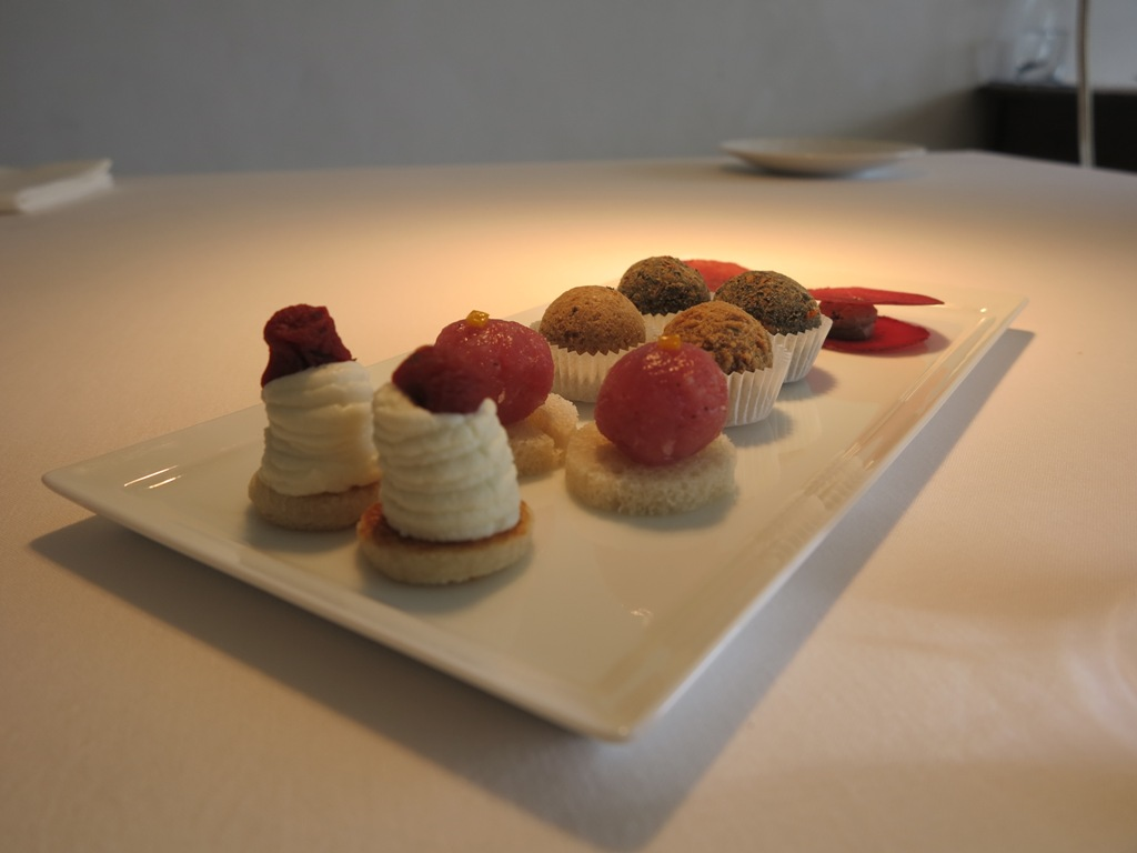 Accompagnamenti aperitivo, Reale, Chef Niko Romito, Castel di Sangro, Aquila
