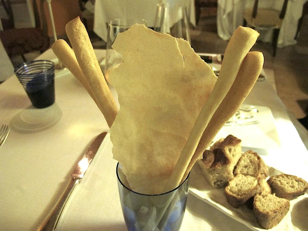 grissini e pane carasau, S'Apposentu, Chef Roberto Petza, Siddi