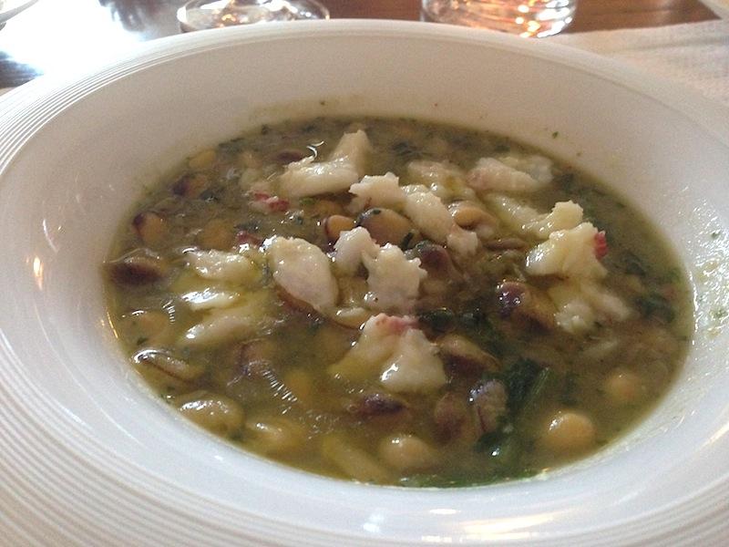 zuppa di cicerchie e baccalà, chef Angelo Sabatelli, Monopoli, Bari