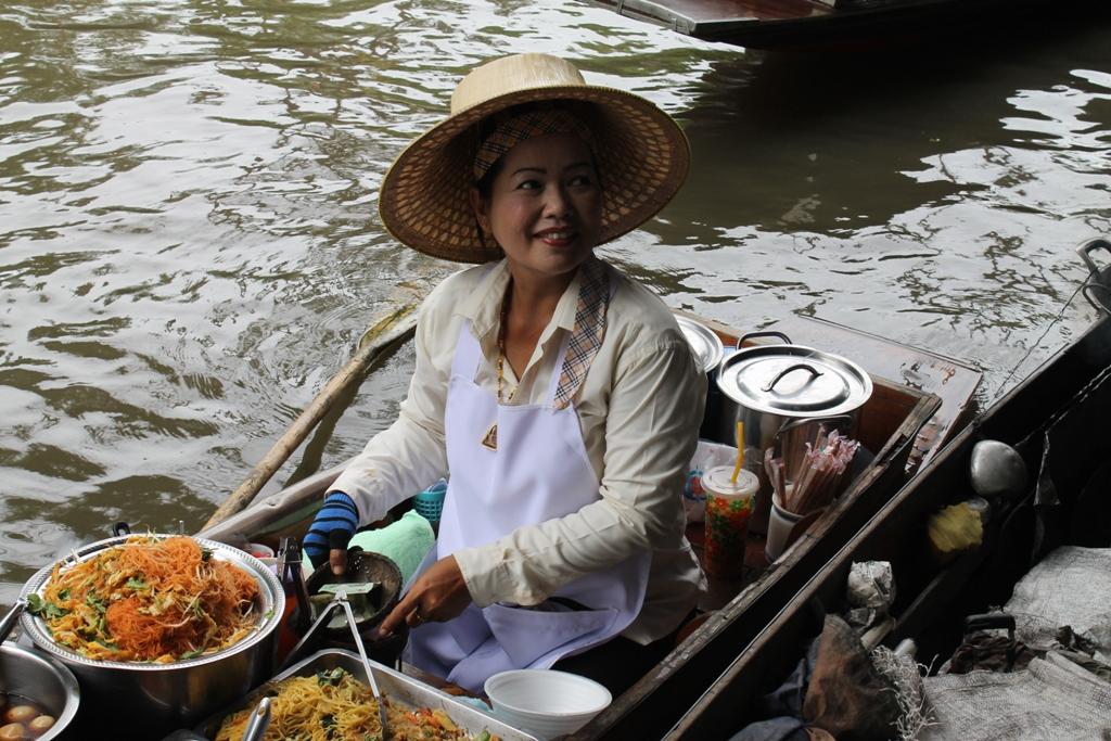 floating market, pad thai, Thai Street Food, Thailandia, Bangkok
