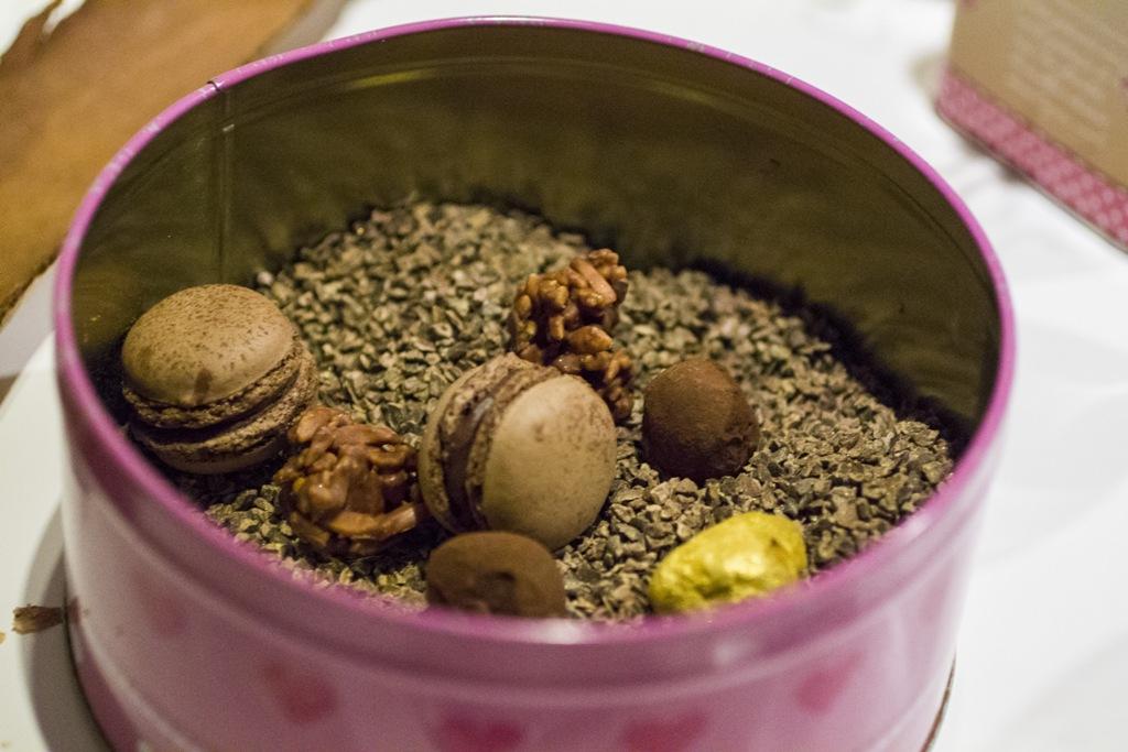 mandorle al cacao, macarons, Quique Dacosta, Denia, Spagna