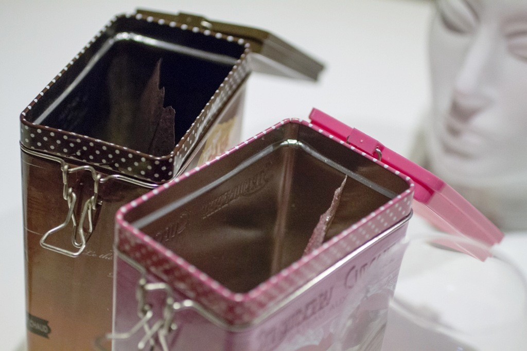 carta di cioccolato, yogurt e lamponi, Quique Dacosta, Denia, Spagna