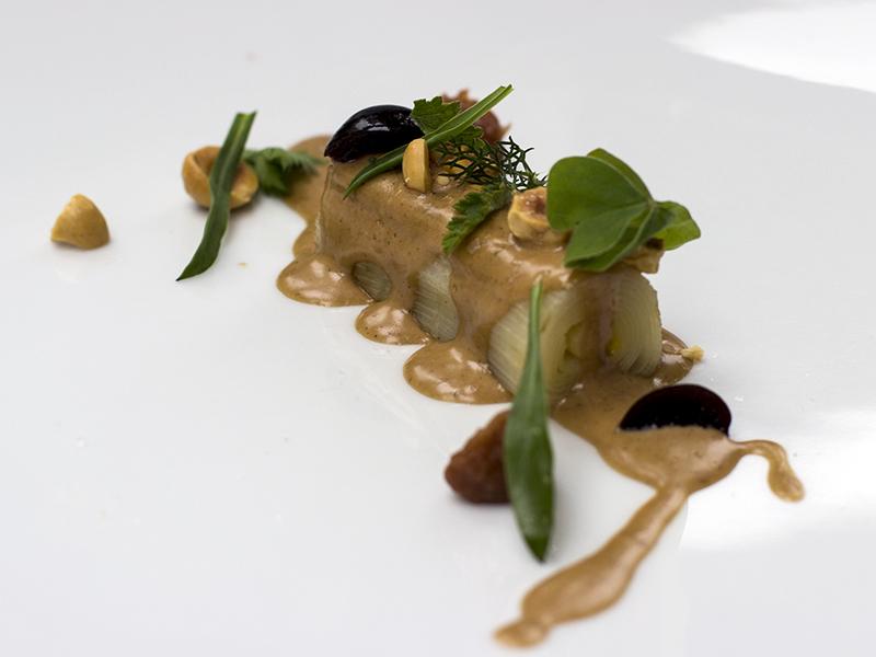 Porro, nocciola, umeboshi, amarena sottaceto: Piergiorgio Parini, Povero Diavolo, Passione Gourmet