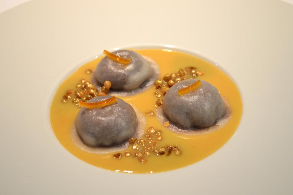 Raviolo di cioccolato e lenticchie, Osteria Francescana, Chef Massimo Buttura, Modena