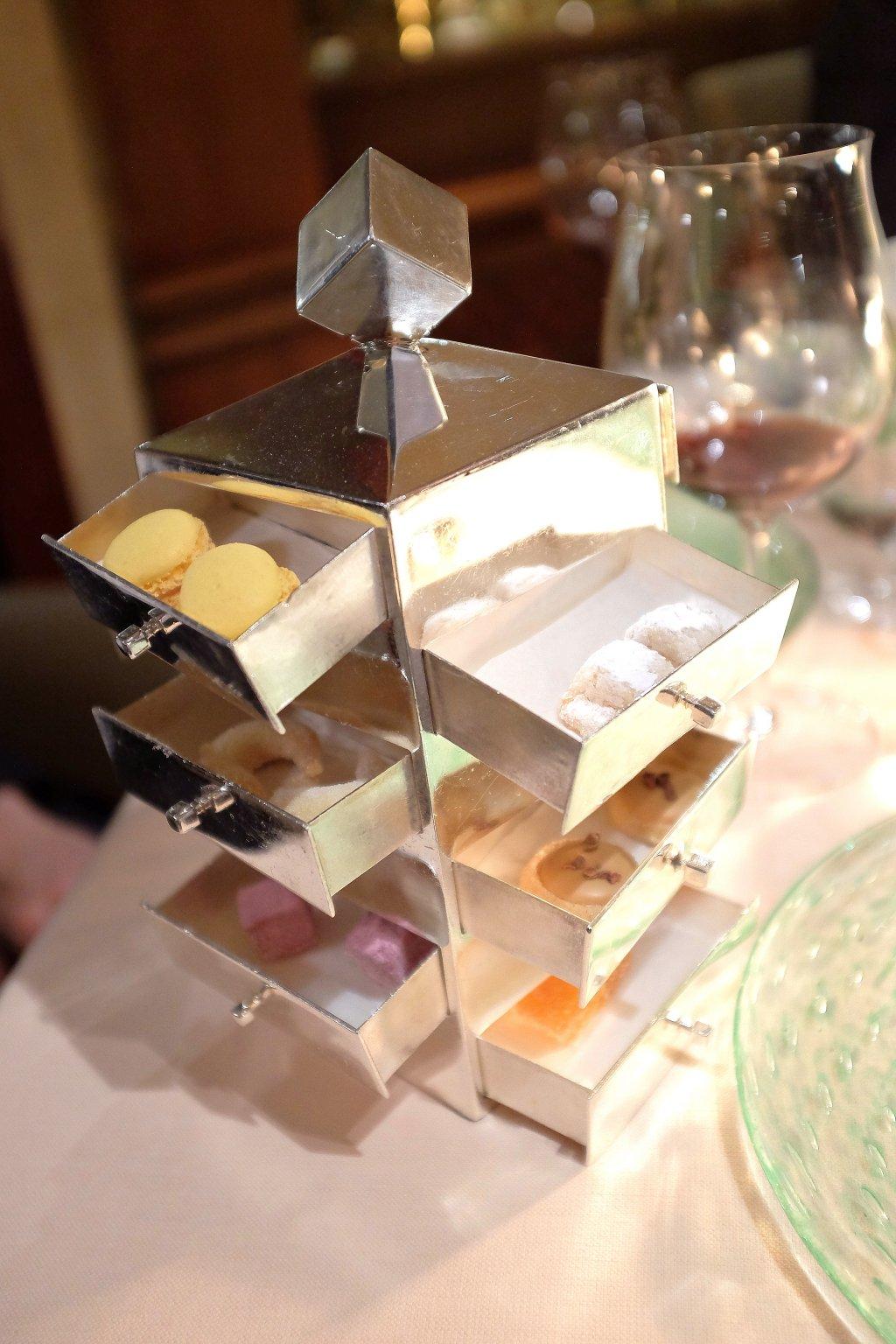 piccola pasticceria, La Pergola, Chef Heinz Beck, Roma