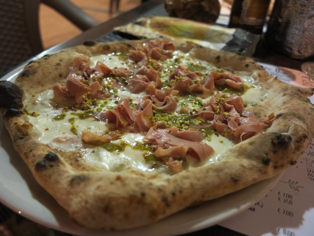 pizza, fiordilatte, pistacchi, mortadella, 400 Gradi, Chef Andrea Godi, Francesco Cassiani, Lecce