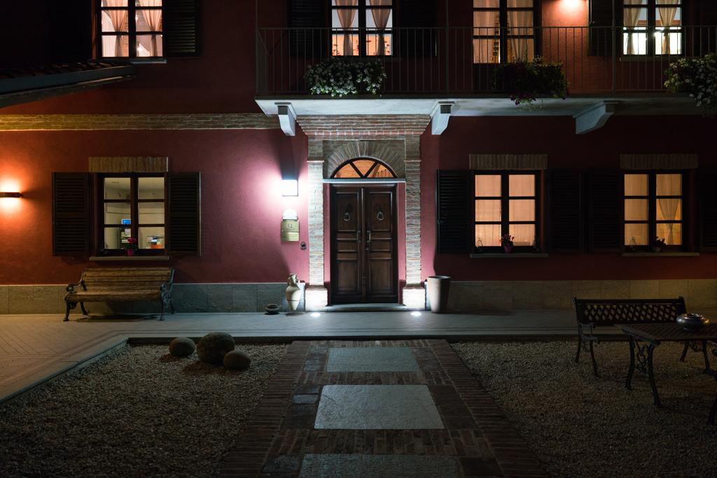 ingresso, La Madernassa, Chef Michelangelo Mammoliti, Guarente, Cuneo, Piemonte