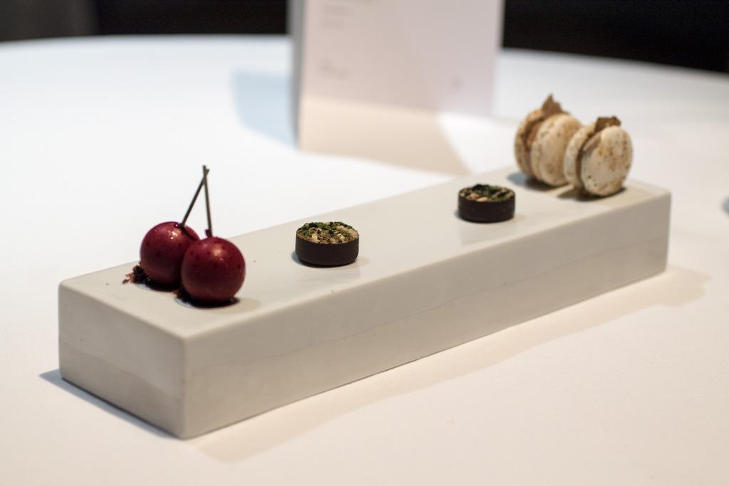 piccola pasticceria, Osteria Francescana, Modena, Chef Massimo Bottura