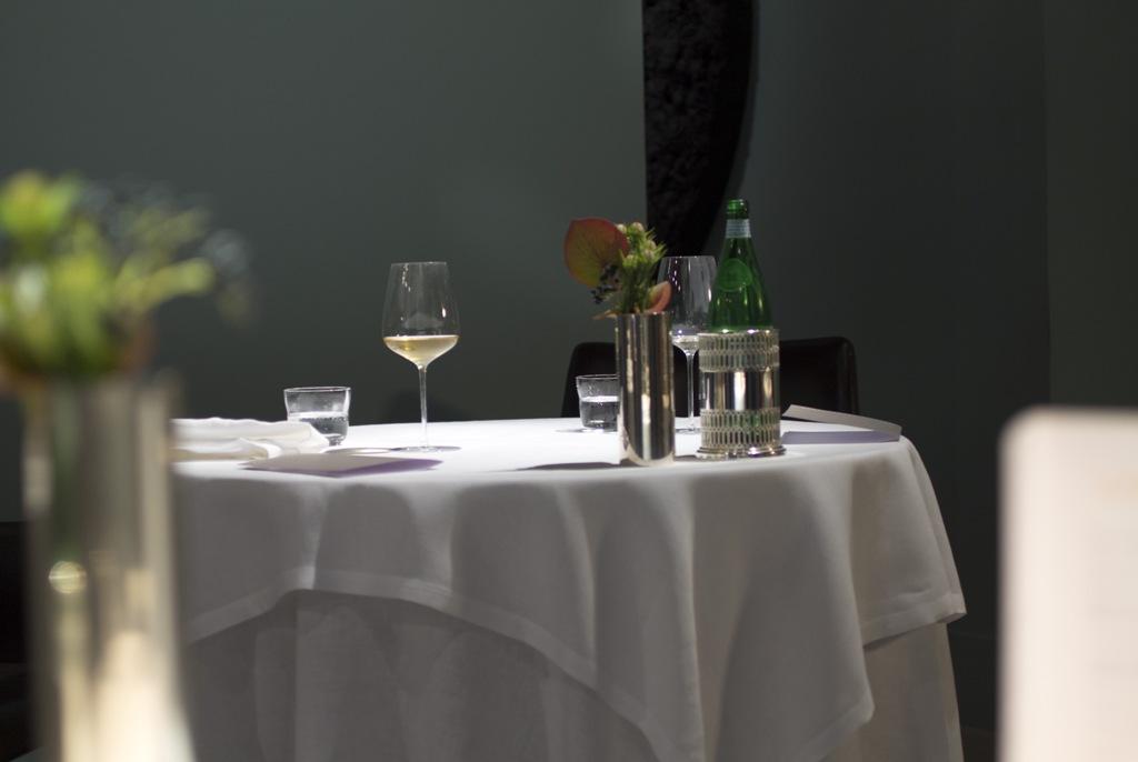 sala, Osteria Francescana, Modena, Chef Massimo Bottura