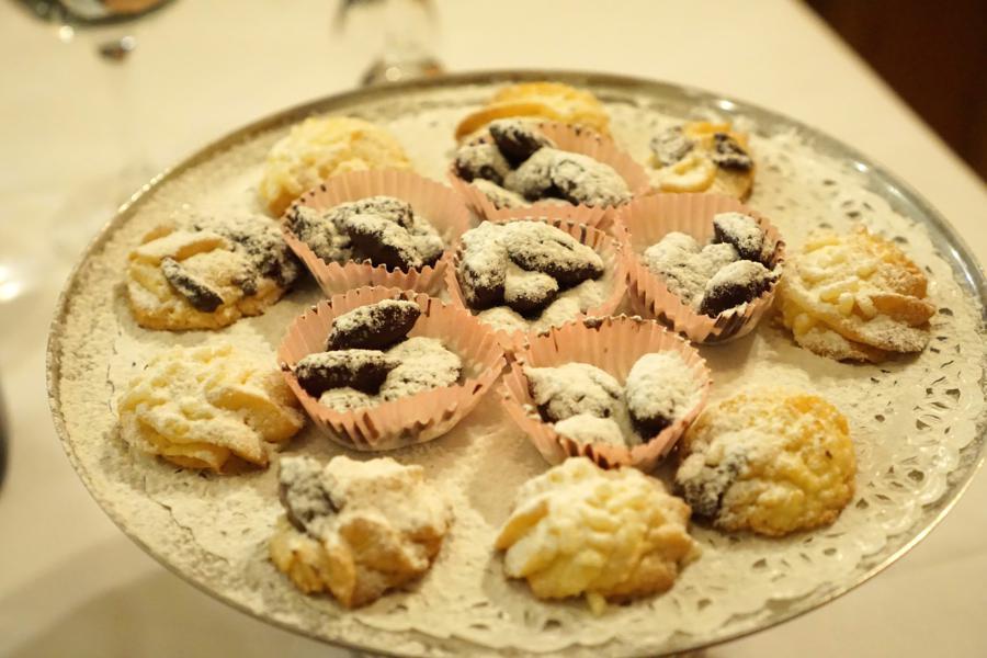 piccola pasticceria, Ristorante Tassi, Bondeno, Ferrara, Emilia-Romagna