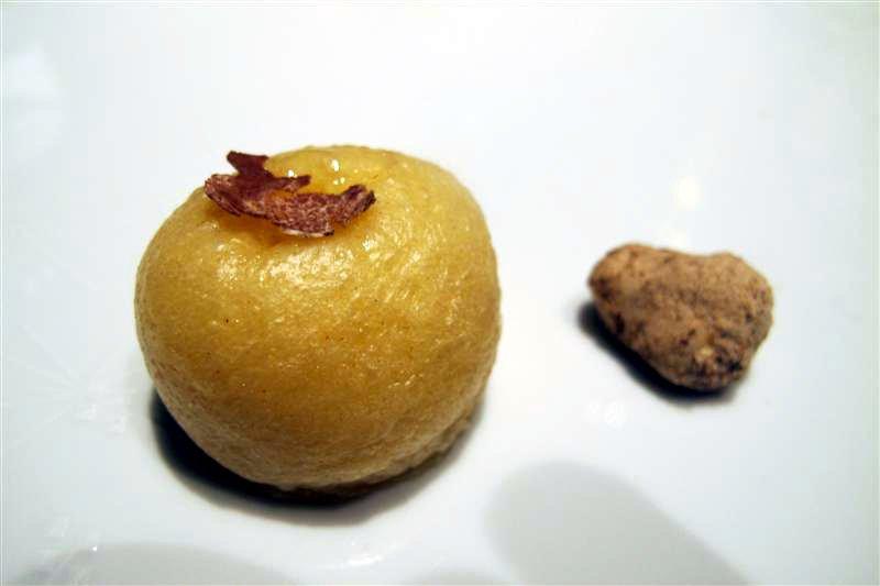 brioche con tartufo bianco, El Celler de Can Roca, Chef Joan Roca, Girona