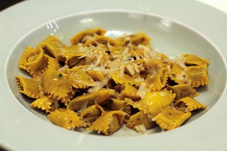 Agnolotti del plin,  La Piola, Chef Dennis Panzeri, Enrico Crippa, Alba