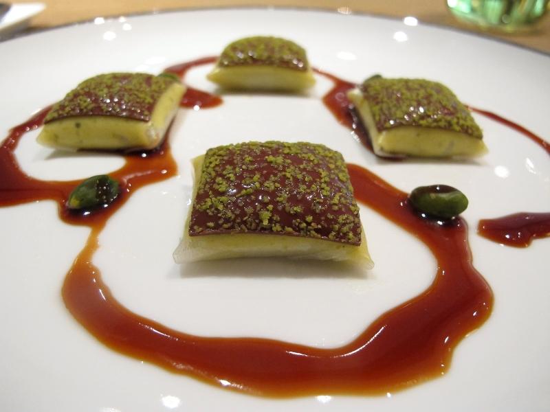 dessert, dim sum al pistacchio, Maison Troisgros, Chef Troisgros, Roanne, France