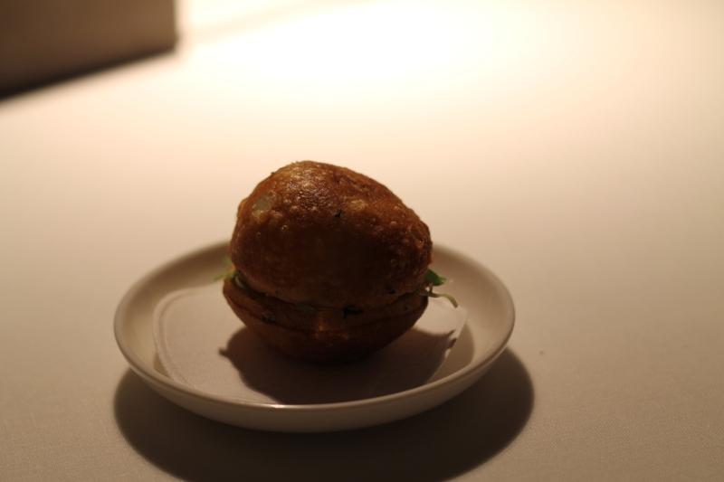 panino fritto con scampi crudi, Reale, Chef Niko Romito, Castel di Sangro