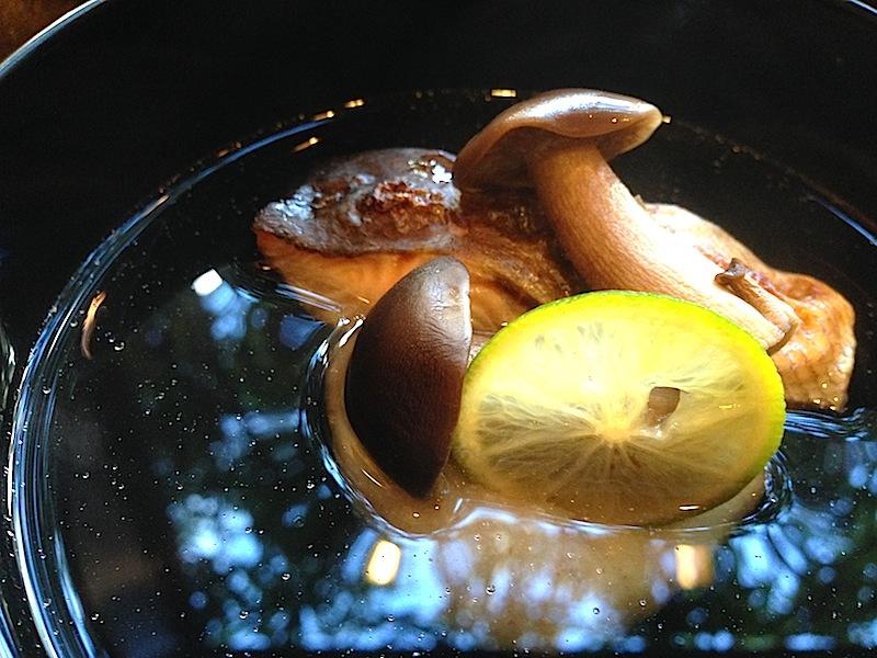 brodo con funghi, Soba Ryuheisoba, Kyoto, Giappone