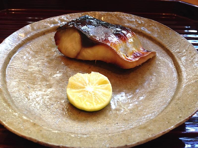 maccarello alla griglia, Soba Ryuheisoba, Kyoto, Giappone