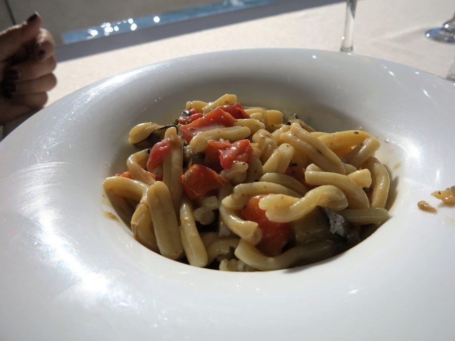 pasta con pomodori, Trattoria da Carmelo, Marina di Ragusa, Sicilia