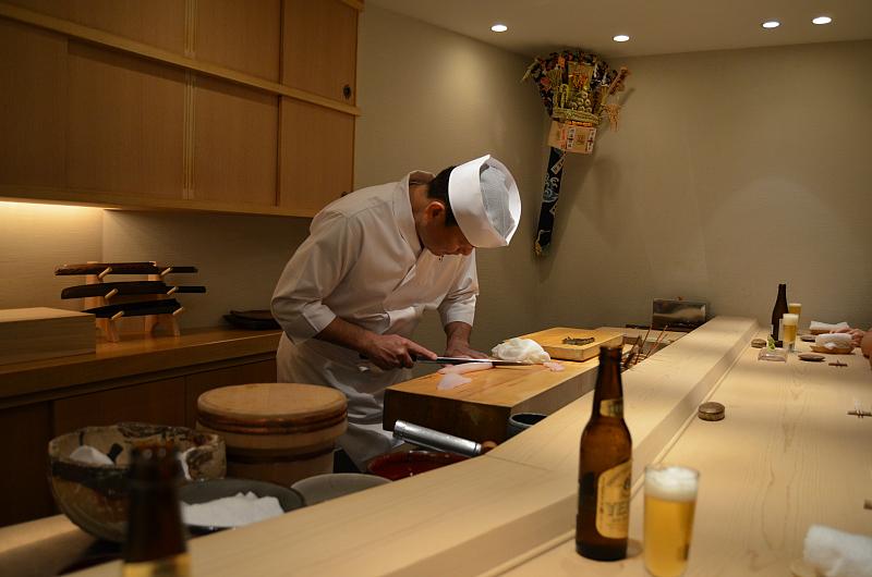 master at work, Sushi Yoshitake, Matsuhiro Yoshitake, Tokyo, Japan