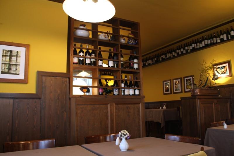 interni, Antica Trattoria del Gallo, Chef Reina, Gaggiano, Milano