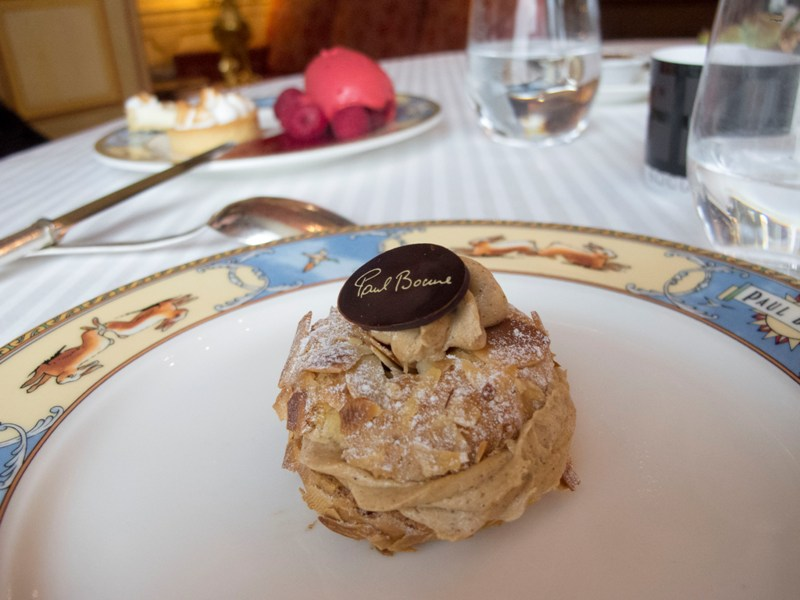 Paris Brest, Auberge du Pont de Collonges, Chef Paul Bocuse, Francia