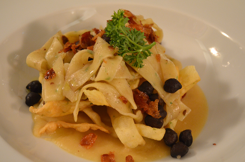 lagane e ceci bianchi e neri, Locanda Severino, Chef Lombardo, Caggiano, Salerno