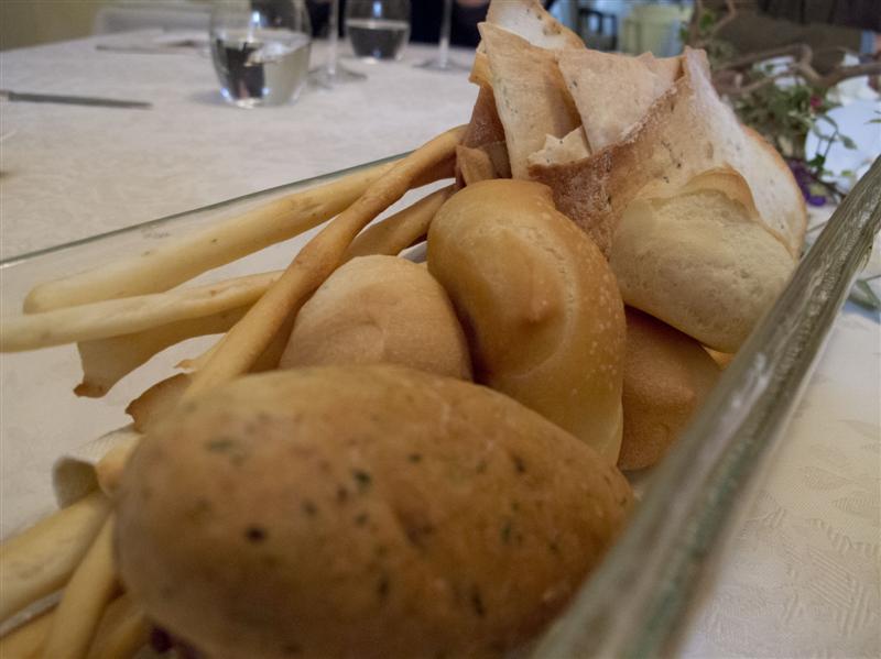 pane e grissini, Nido del Picchio, Chef  Daniele Repetti, Carpaneto, Piacenza