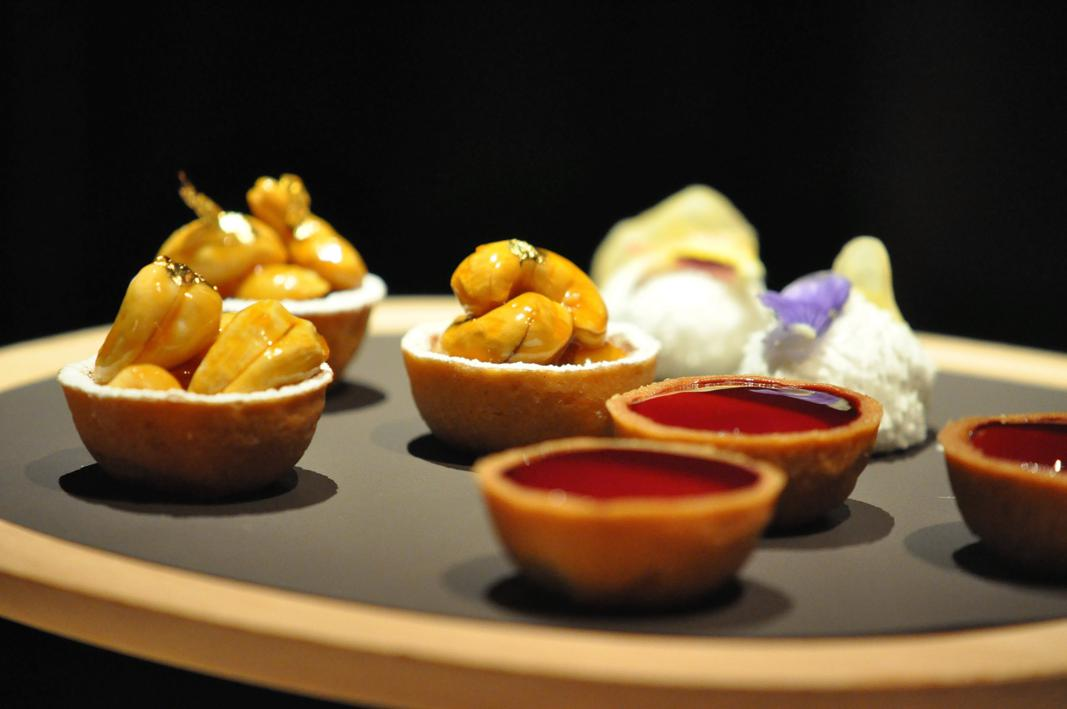piccola pasticceria, Maison Troisgros, Chef Troisgros, Roanne, Francia