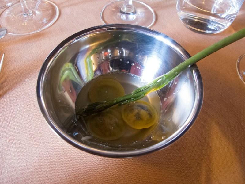 raviolo, brodo di anice, Antica Osteria del Ponte, Chef Salmoiraghi, Cassinetta di Lugagnano, Milano