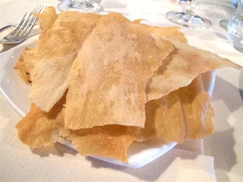 pane carasau, La Pineta, chef Luciano Zazzeri, Marina di Bibbona-