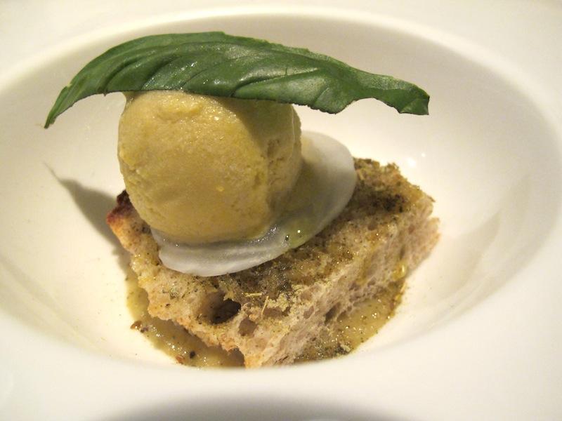 Crostino con cipolla ed erba creola, Ristorante Settembrini, Chef Delmonte, Roma