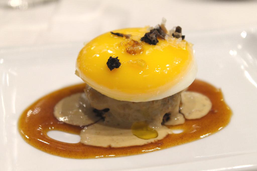 uovo cotto e tortino di funghi, Tapas Bar Eslava, Siviglia, Spagna