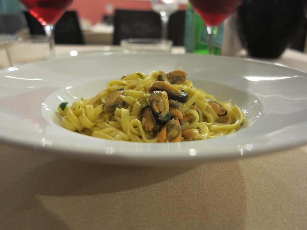 Fettuccine, cozze, pepe e pecorino, Masseria Petrino, Chef Michele Rotondo, Palagianello, Taranto