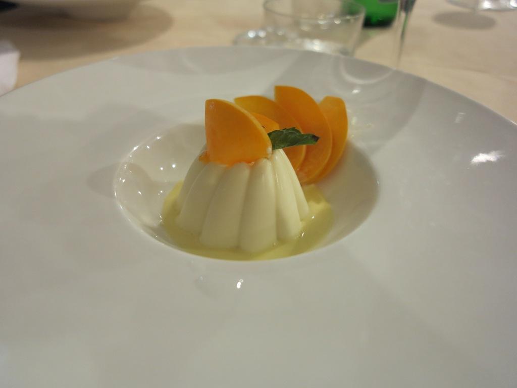 Mousse al cioccolato bianco, , Masseria Petrino, Chef Michele Rotondo, Palagianello, Taranto