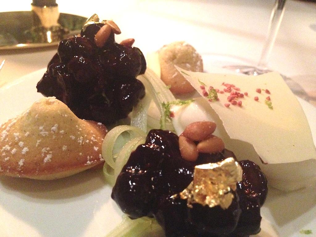 Mirtilo e sedano con gelato al formaggio, Chalet de La Forêt, Chef Pascal Devalkeneer, Bruxlles, Belgium