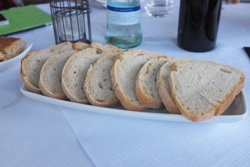 Pane con lievito madre, Antica Osteria della Peppina, Alseno, Piacenza