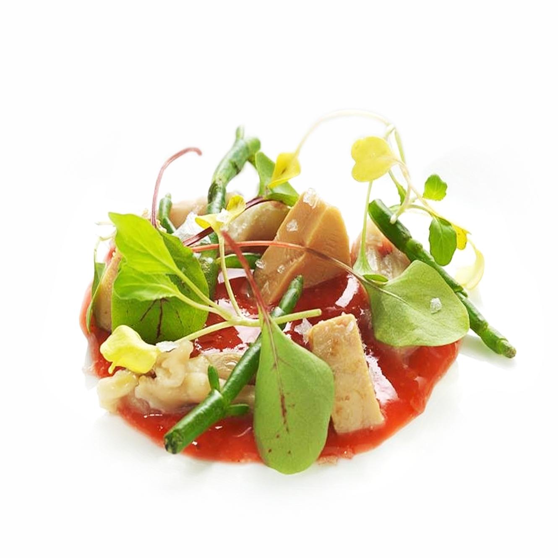 Insalata di lingua d'anatra, fegatelli bruciati e gel di fragola, Chef Marcello Trentini