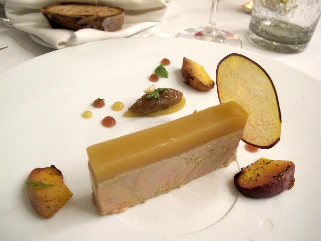 foie gras d'anatra, Oustau de Baumanière, Chef Jean Andrè Charial, Sylvestre Wahid, Les Baux de Provence