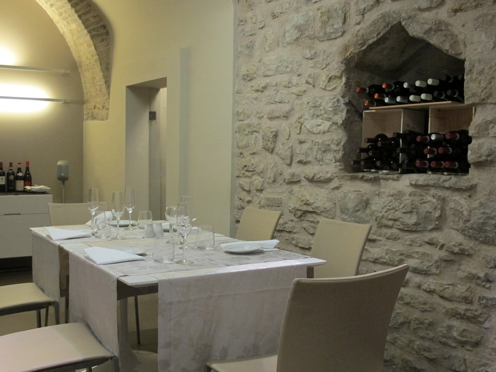 sala, Nun, Chef Nicolas Bonifacio, Assisi
