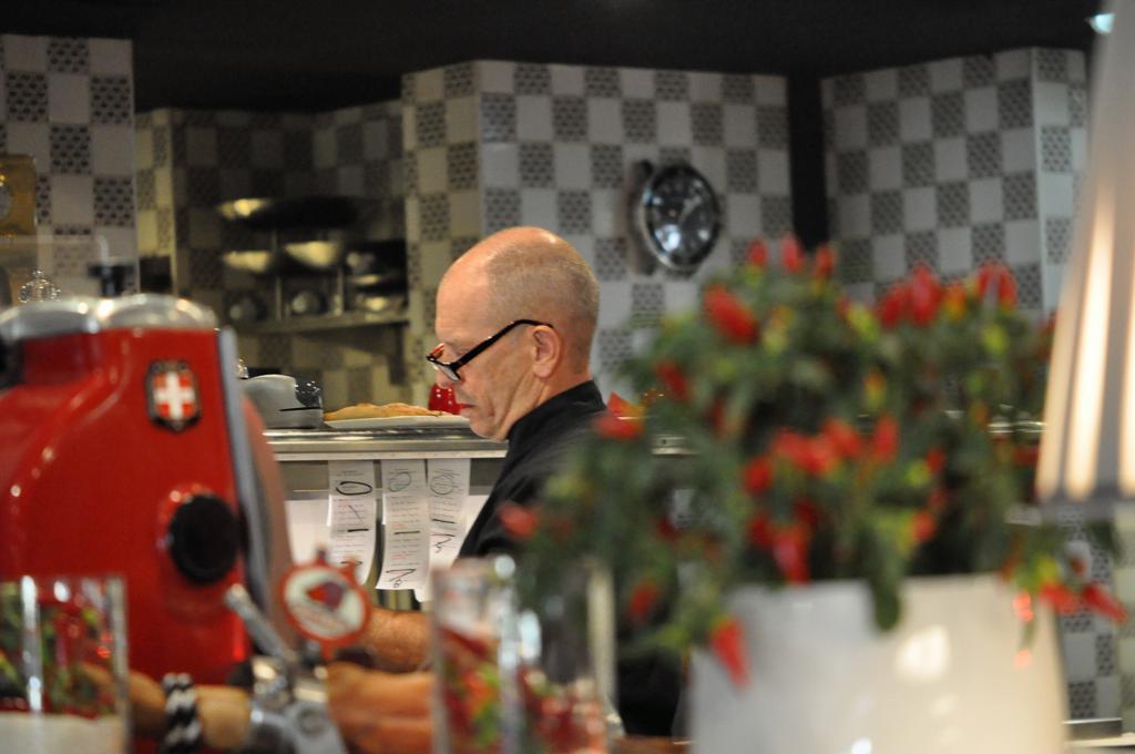 Joël Robuchon, Chef Christophe Cussac, Montecarlo, Principato di Monaco