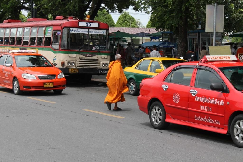 monaci buddisti, Thai Street Food, Bangkok, Thailandia