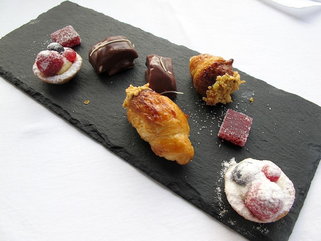 petit four,  Mistral, Chef Ettore Bocchia, Bellagio, Como