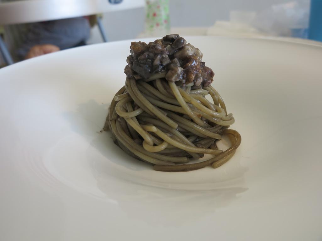 Spaghetto seppia e mare, Reale, Chef Niko Romito, Castel di Sangro, Aquila