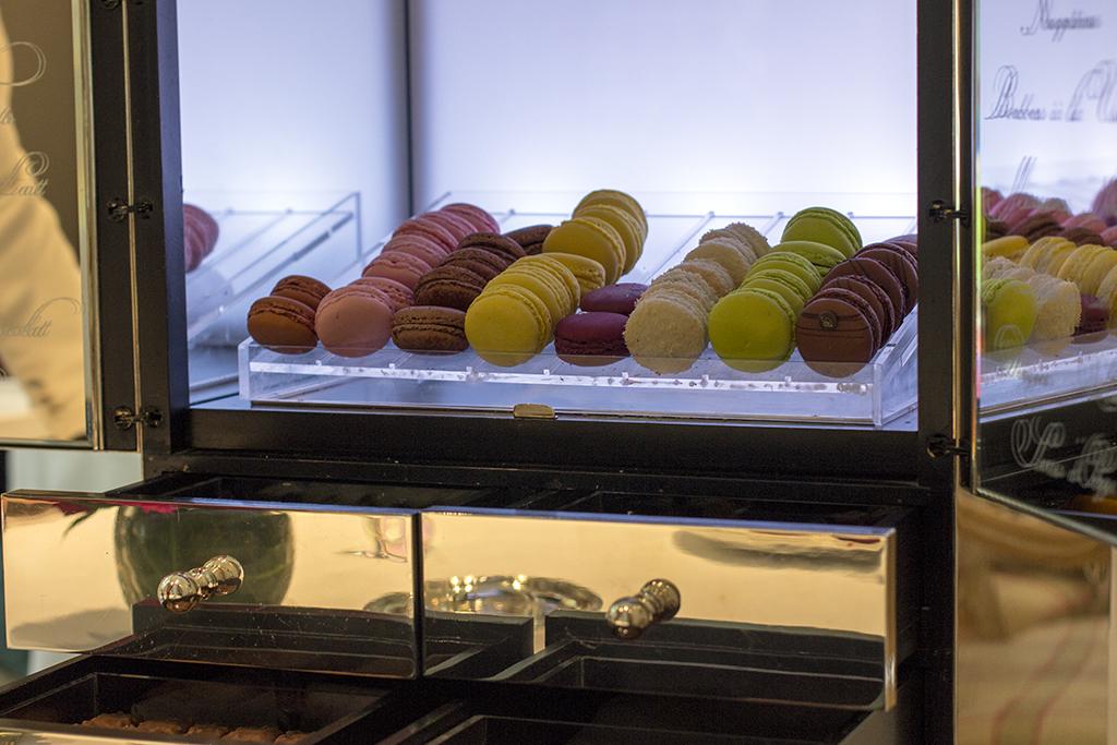 carrello di pasticceria, Epicure au Bristol, Chef Eric Frechon, Paris