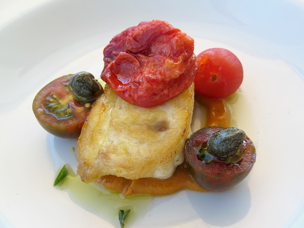 ricciola, pomodori e capperi,  Ittiturismo Fradis Minoris, Chef Manuele Senis, Pula, Cagliar