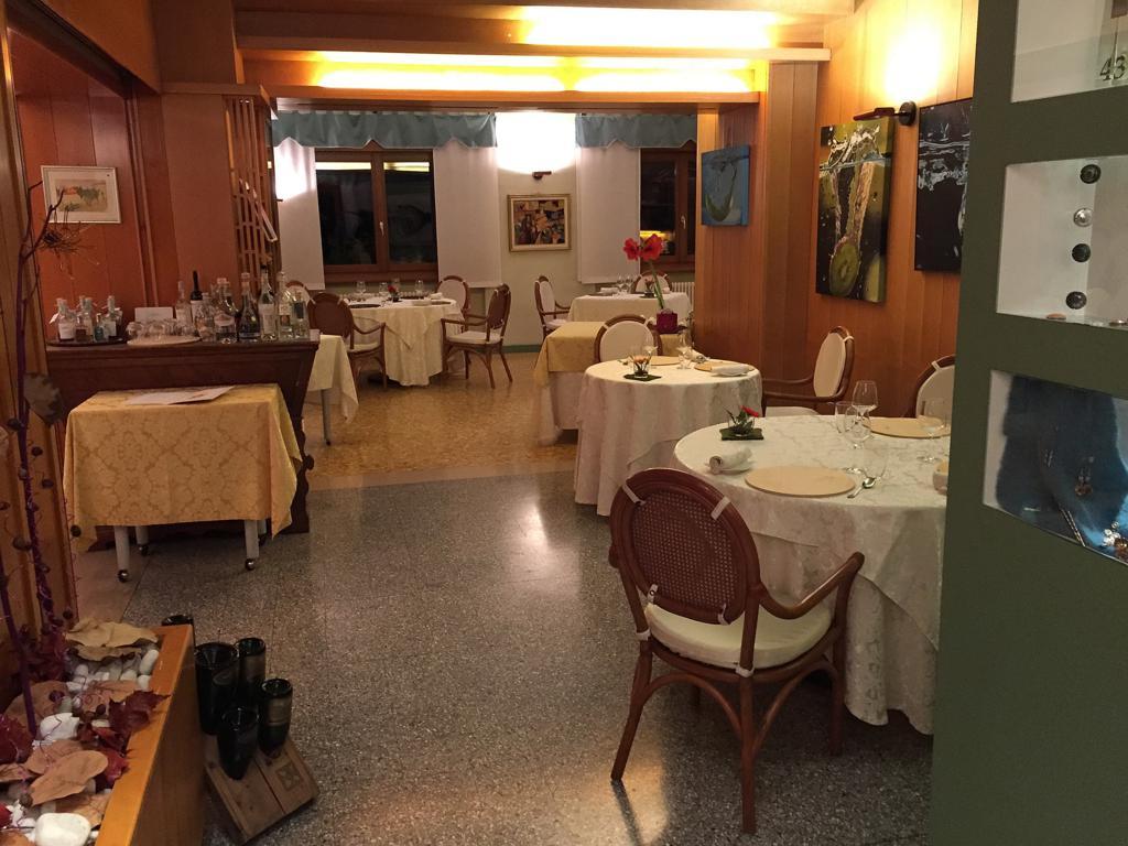 sala del ristorante, Locanda San Lorenzo, Chef Renzo Dal Farra, Puos D'Alpago
